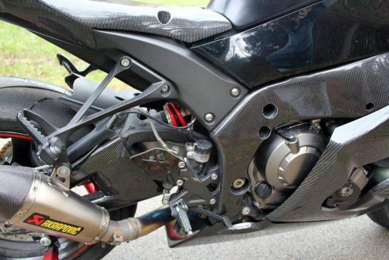 KAWASAKI ZX-10R 2011-2015 Carbon Fiber Swingarm Covers 11