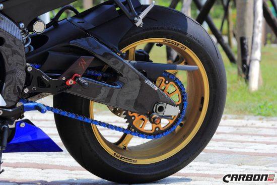 YAMAHA YZF-R6 2006-2016 Carbon Fiber Swingarm Covers 9