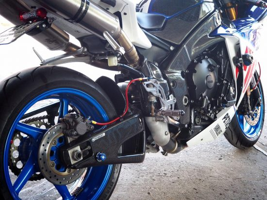YAMAHA YZF-R1 2009-2014 Carbon Fiber Swingarm Covers 9