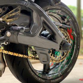 KAWASAKI ZX-10R 2011-2015 Carbon Fiber Swingarm Covers