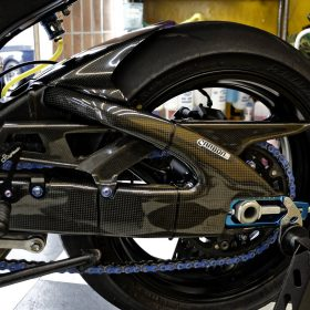 SUZUKI GSX-R 600-750 2006-2010 Carbon Fiber Swingarm Covers 15
