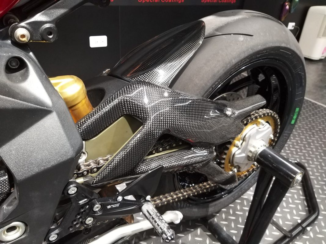 MV AGUSTA F3 Carbon Swingarm Cover