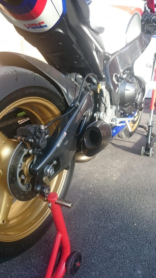 HONDA CBR 1000RR 2008-2016 Carbon Fiber Swingarm Covers 11