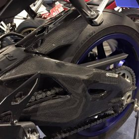 YAMAHA YZF-R1 2015-2016 Carbon Fiber Swingarm Covers 9