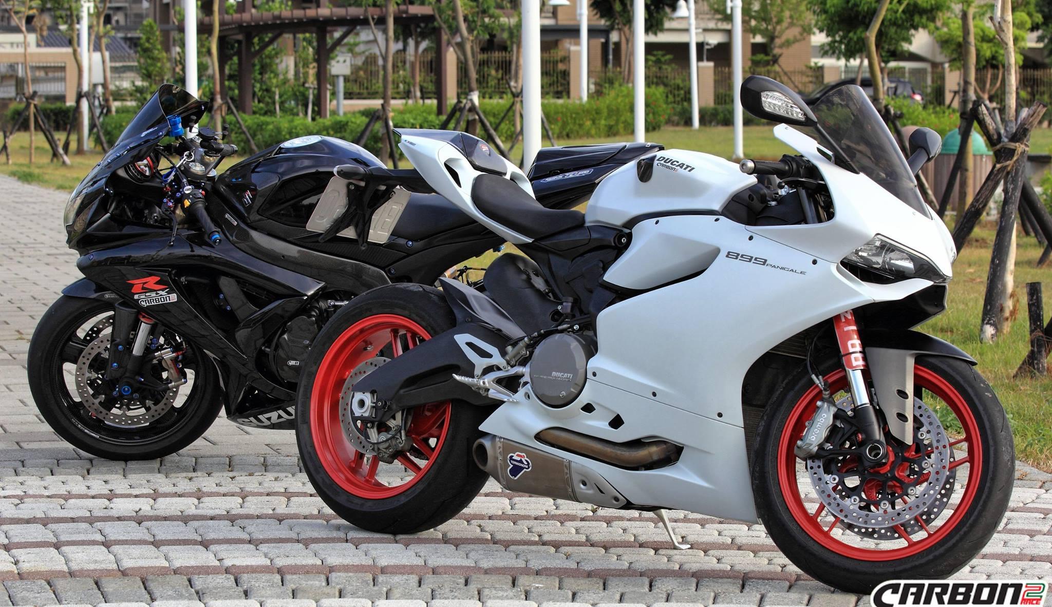 Ducati Panigale 899 959 1199 1299 Carbon Fiber Tank Sliders