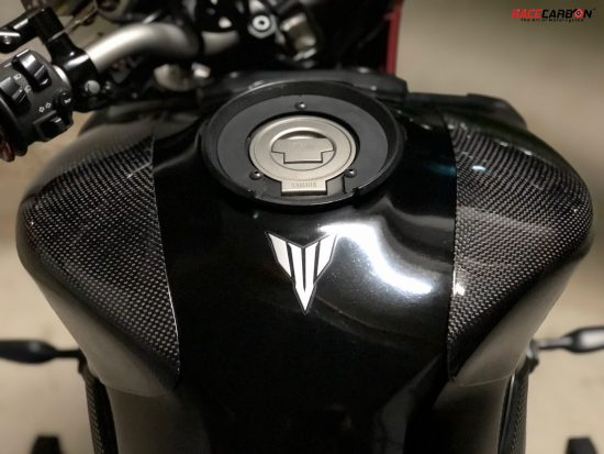 YAMAHA MT09/FZ09 Carbon Fiber Tank Sliders