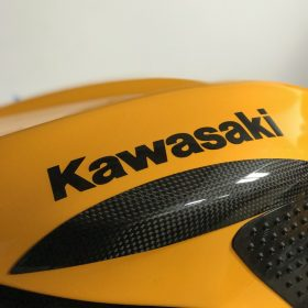 KAWASAKI ZX-10R 2004-2007 Carbon Fiber Tank Sliders 2