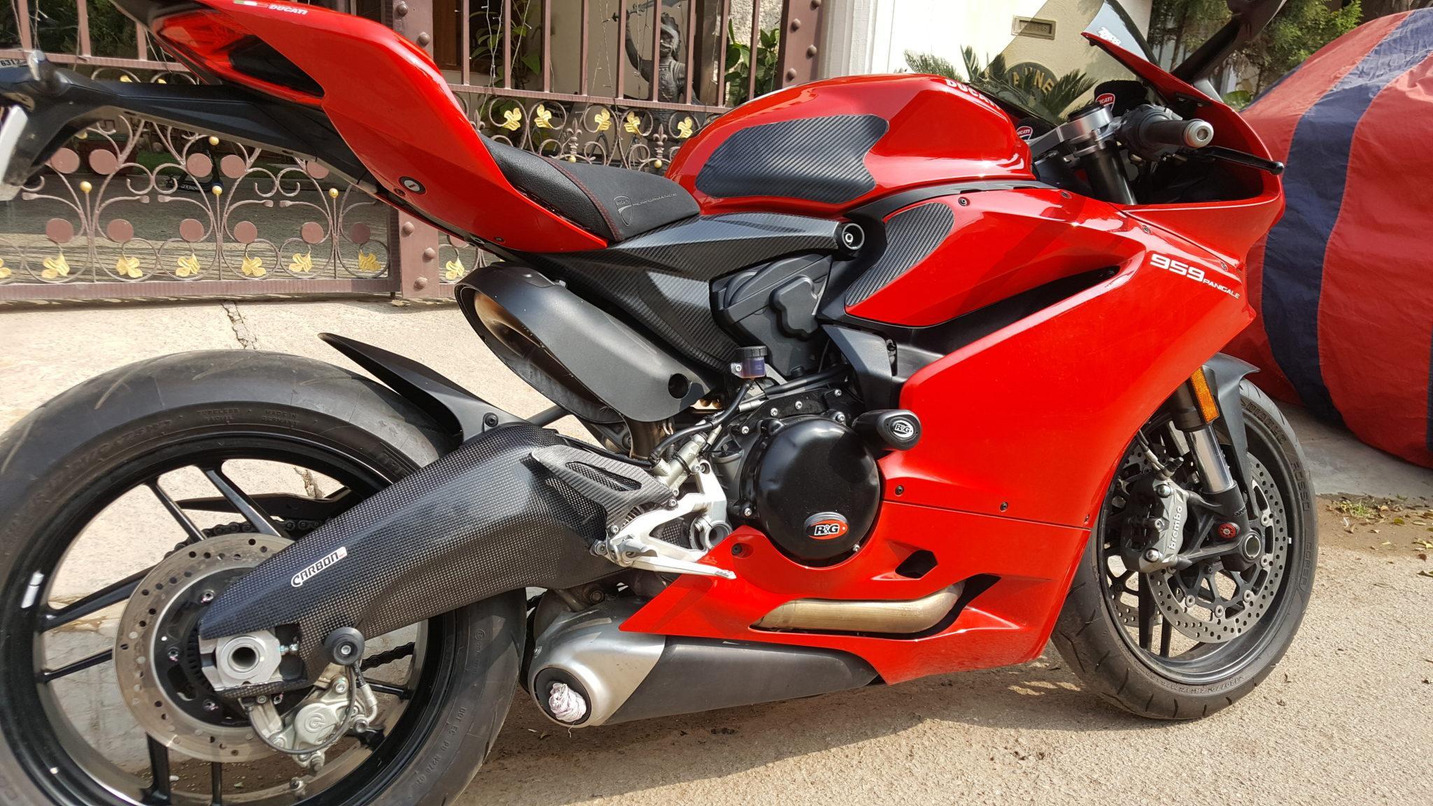 Ducati Panigale 899 959 Carbon Fiber Swingarm Covers