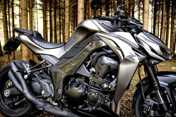 KAWASAKI Z1000 2014-2018 Carbon Fiber Frame Covers
