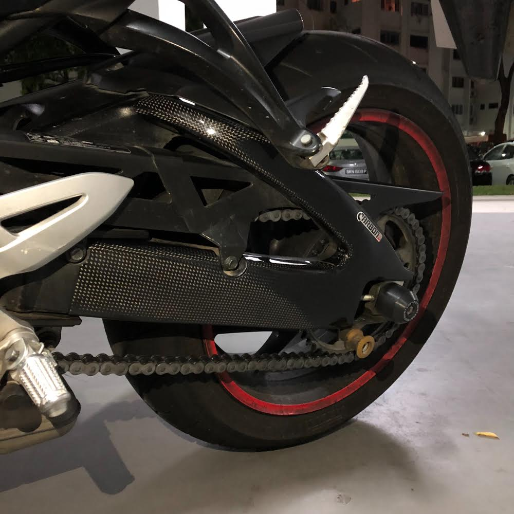 suzuki gsx s 1000 2015 2018 carbon fiber swingarm covers. Black Bedroom Furniture Sets. Home Design Ideas
