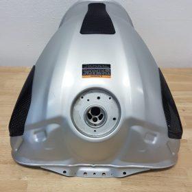 YAMAHA YZF-R6 2017-2018 Carbon Fiber Tank Sliders
